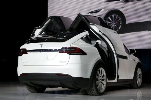 Tesla X Satışa Sunuluyor!
