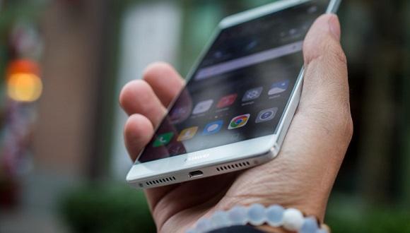 Huawei, Apple'ı Gözüne Kestirdi!