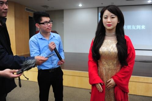 Çin'den Realistik Robot: Jia Jia