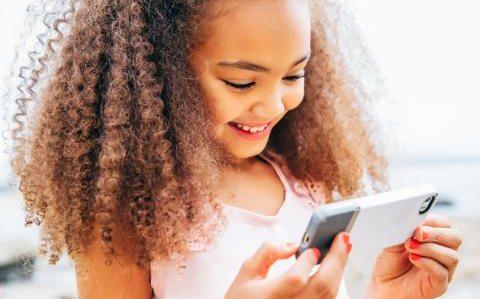 Akıllı Telefonlar Şaşılığa Sebep Olabilir!