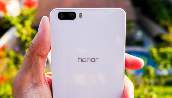 Huawei Honor V8 Görüldü!