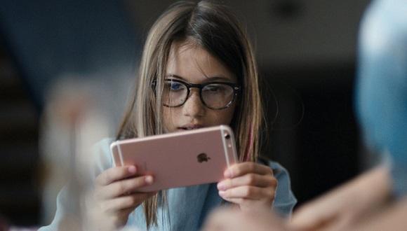 Apple'dan iPhone 6s İçin Yeni Reklamlar