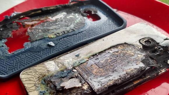 Galaxy S6 Edge Plus Kül Oldu!