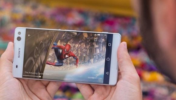 Sony'den İki Yeni Telefon Geliyor
