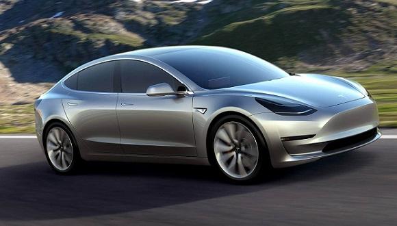 Elon Musk, Tesla Model 3 için Uyarıyor