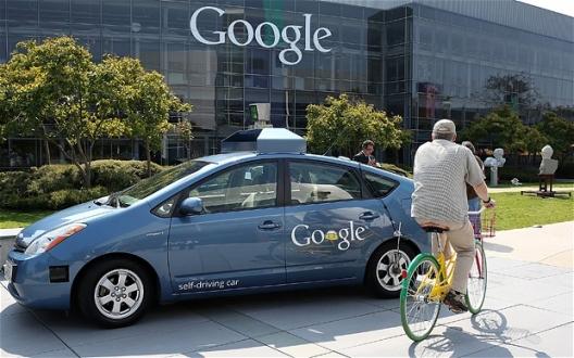 Google'ın Sürücüsüz Otomobili Ne Durumda?