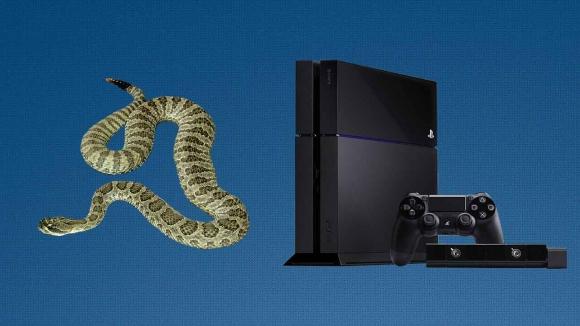 PlayStation 4 İçinden Yılan Çıktı!