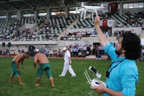 Dronelar Yağlı Güreşlerde!