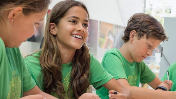 Apple, Türkiye'de Çocuklar için Yaz Kampı Düzenliyor