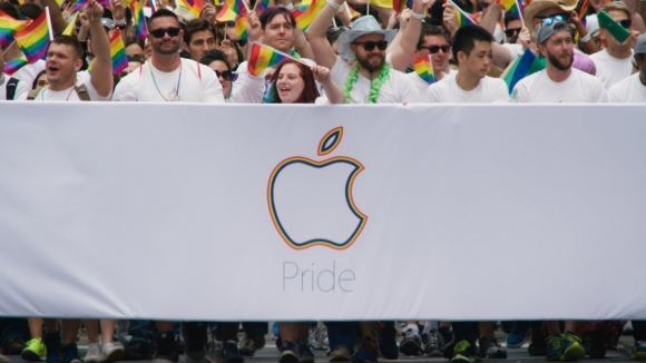 Apple'dan LGBT için Özel Kayış!