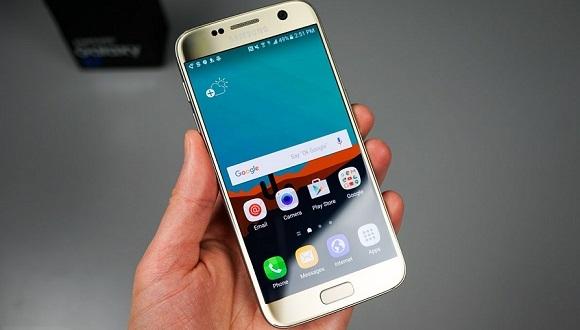 Samsung, Galaxy S7 Satış Hedefini Düşürdü