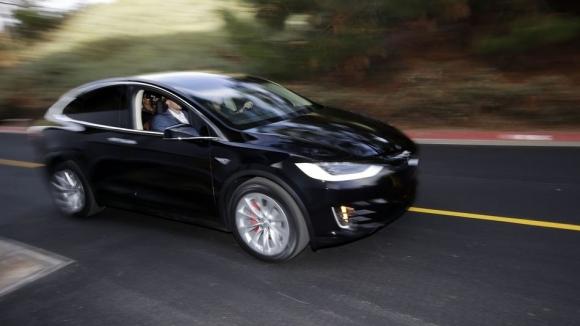 Tesla Oto Pilotu Tekrar Kaza Yaptı
