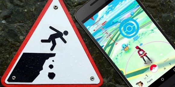 Pokemon GO Oynarken Uçurumdan Düştüler!