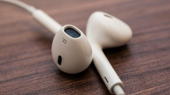 iPhone 7, Kablosuz Kulaklıkla mı Geliyor?