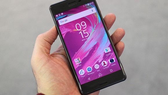 Sony Xperia F8331 Yeni Bir Tasarım Sunuyor