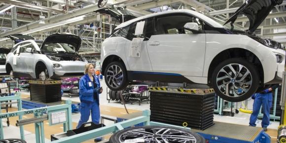 Almanya 2030'da elektrikli araçlara geçiyor