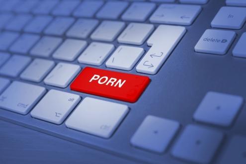 Porno siteleri kullanıcılarını izliyor!