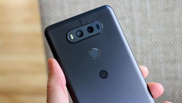 LG V20, kamera camının kırılması ile gündemde!