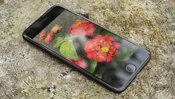 Apple, iPhone'da OLED ekrana geçiş yapabilir!