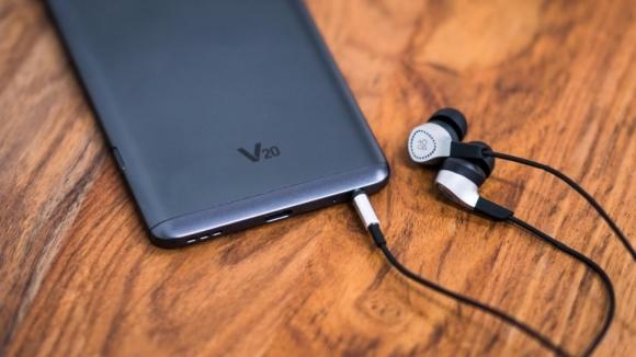 LG V20 alana 350 TL'lik kulaklık hediye!
