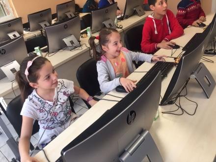 SAP'den mültecilere kod eğitimi