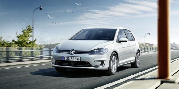 Volkswagen 2017 elektrikli Golf'ü tanıttı