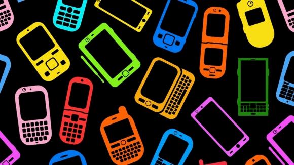Samsung mobil pazarda hala zirvede