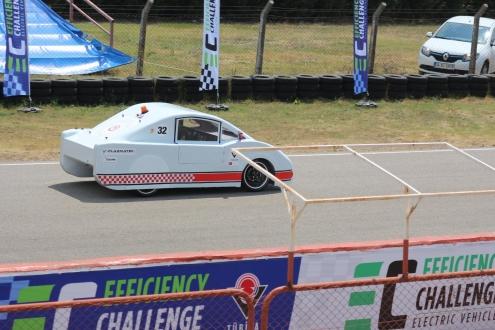 Türk öğrenciler, elektrikli otomobil üretti!