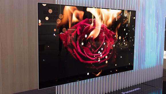 Panasonic, OLED panellere meydan okuyor!