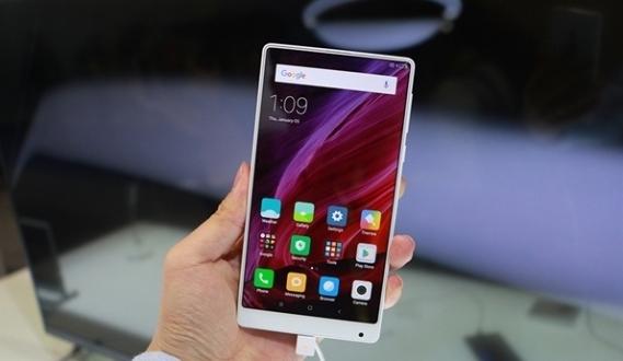 Yeni Xiaomi Mi Mix tanıtıldı
