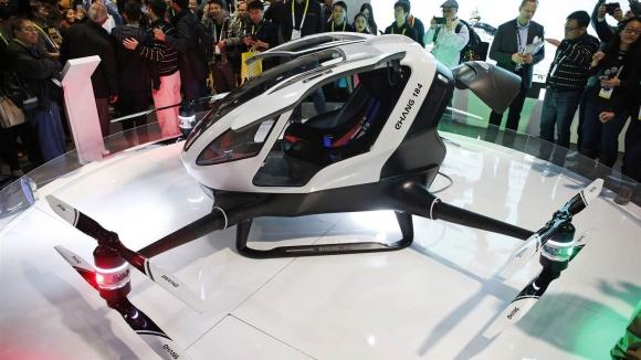 Karşınızda insan taşıyabilen drone!