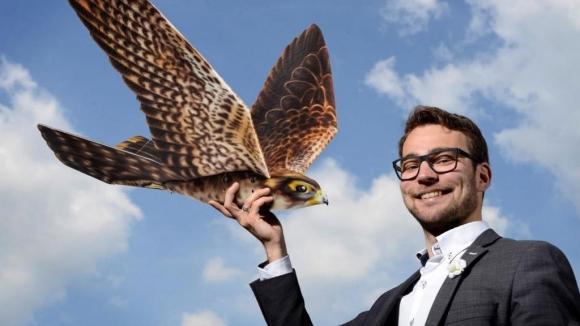 Uçakları drone kuşlar koruyacak!
