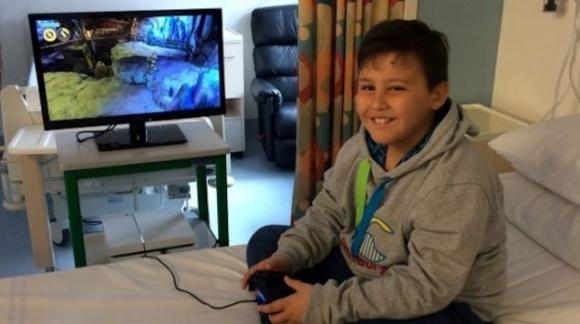 Kanserli çocukların PS4'ünü çaldılar!
