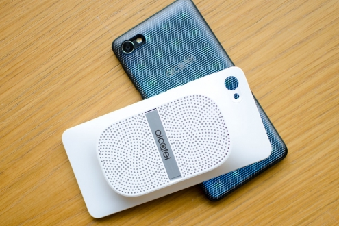 Alcatel'den uygun fiyatlı modüler telefon!