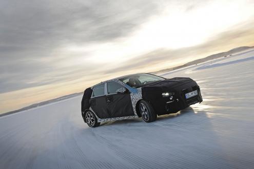 Hyundai i30 N buz üstünde