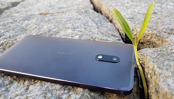 Nokia 6'nın başına gelmeyen kalmadı!
