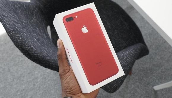 Kırmızı iPhone 7 Plus için ilk kutu açılışı!