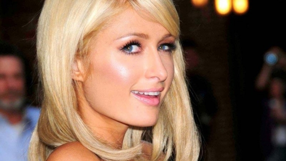 Bir tweet için Paris Hilton'a rekor ödeme!