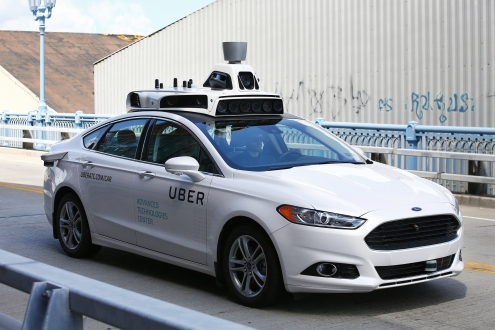 Uber, sürücüsüz otomobil çalışmalarını durdurdu!