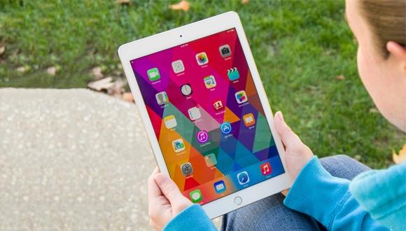Yeni 9.7 inç iPad parçalarına ayrılıyor!