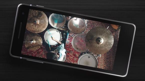 Galaxy S8 TV reklamında Apple'a taş!