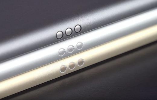 iPhone 8 için Smart Connector!