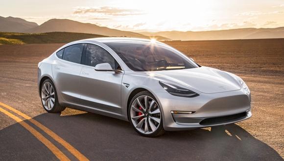 Tesla Model 3 için Elon Musk'tan yeni bilgi!