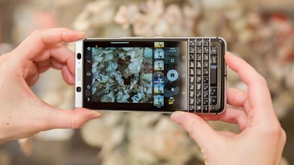 BlackBerry ekran sorununa çözüm arayacak!