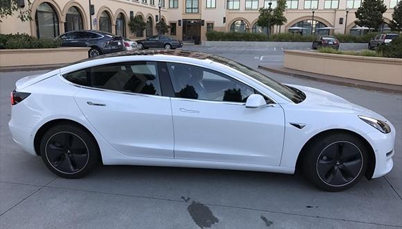 Tesla Model 3'e ait fotoğraflar sızdırıldı!