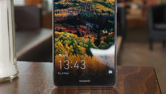 Huawei Mate 10 ekranı ile dikkat çekecek!