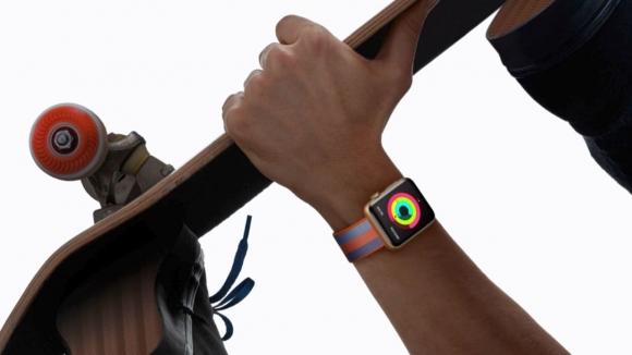 Apple Watch 3 son aşamada!