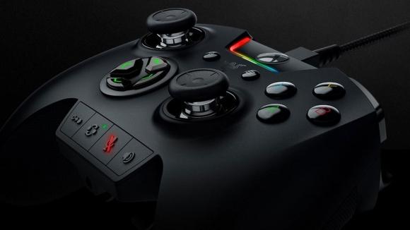 Xbox One ve PC için üst düzey oyun kolu!