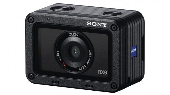 Boyundan büyük özellikleriyle Sony RX0!