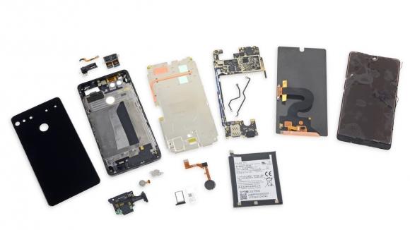 Essential Phone tamiri mümkün değil!